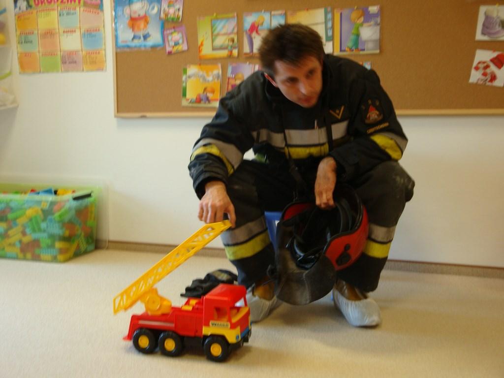 strażak w przedszkolu hocki-klocki w częstochowie